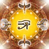 Fleur de vie l'œil d'Horus ( Oudjat) symbolise la santé, l'intégrité, ce qui est entier. C'est un porte bonheur. Cette plaque protège votre lieu de vie contre les influences négatives. Elle aide à renforcer les défenses immunitaires.